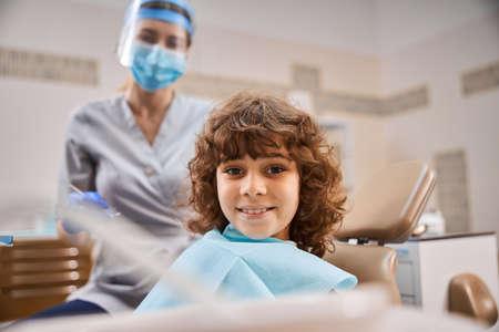 герметизация фиссур зубов фото